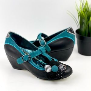 IRREGULAR CHOICE Pick a Posy Black Maryjane Heel